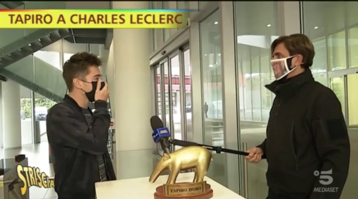 . @Charles_Leclerc couldn't concentrate because of @VStaffelli weird face mask 😂  #F1 #Charles16 https://t.co/5fT5bwvPkK