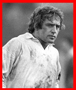 #rugby history Born today 25/11 in 1948 : Tony Neary (England) rugby v Ireland in 1971, 1972, 1973, 1974, 1975, 1976, 1977, 1979, 1980 https://t.co/aG2IwX0wTU https://t.co/PqeAOX7Q4M