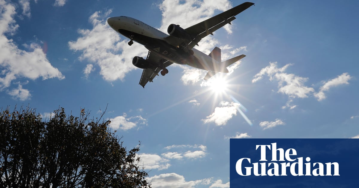 Actus Mer/Sea News:  #UK - @BorisJohnson's 'jet zero' green flight goal dismissed as a gimmick - @dpcarrington @guardianeco https://t.co/LcDxx62sQX https://t.co/MhHeg0Wj7K