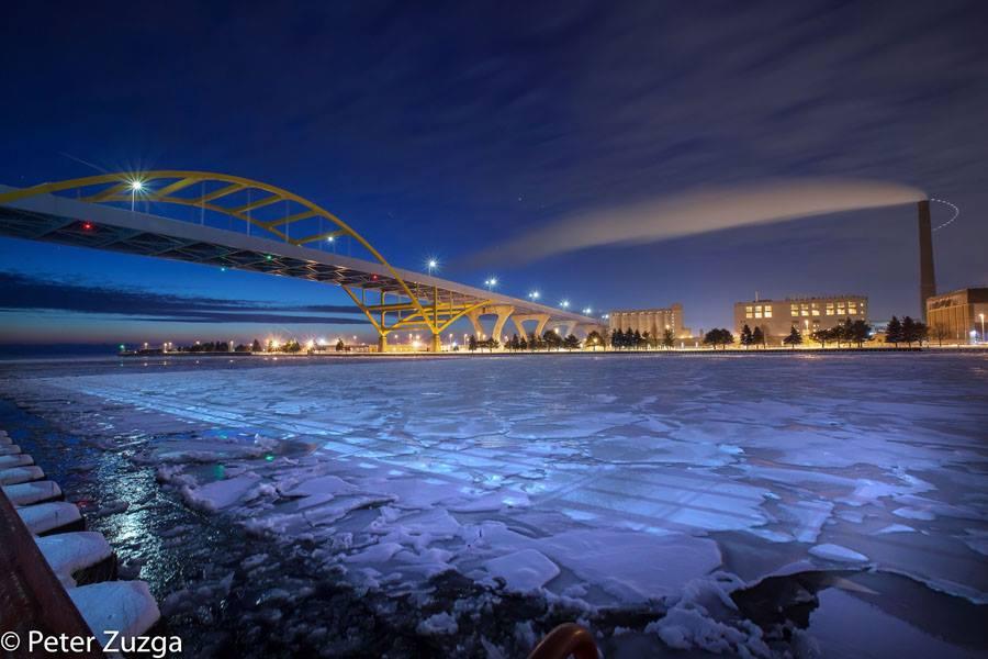 Jan. 24, 2019. The breaking of a sub-zero dawn over the Hoan Bridge, MMSD, and the inner-harbor of Milwaukee, Wisconsin. #Milwaukee #Wisconsin #winter #ice #LakeMichigan #GreatLakes https://t.co/e0zg0sBO5V