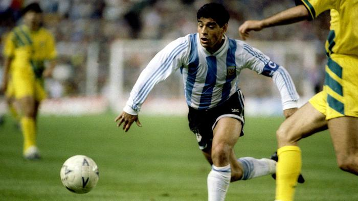 Everyone is recalling their stories of the time they faced the great Diego Maradona  This is Australia's...  👉 https://t.co/GLf5DnowLZ https://t.co/gYC8R3qVTY