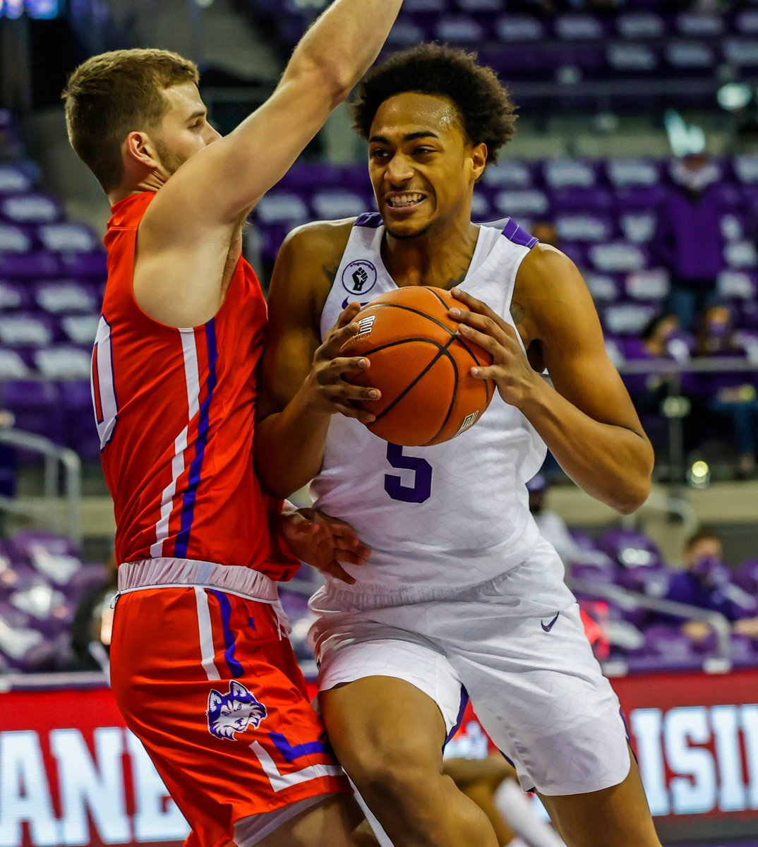 TCU 48 - HBU 28 | 11:50 2H  Chuck O'Bannon with eight points and eight boards so far in his TCU debut.  #GoFrogs 😈 https://t.co/SwewmgpnR7