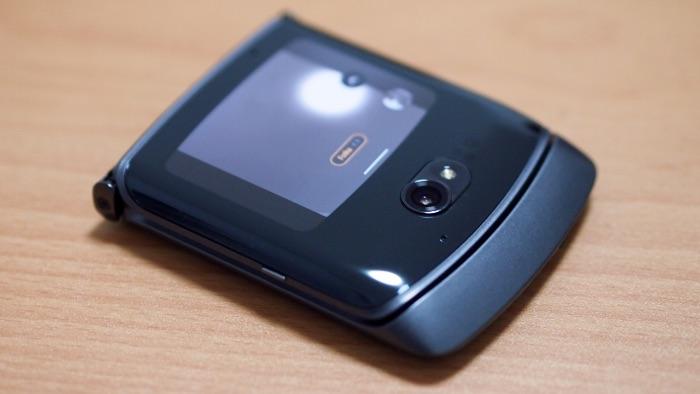 Jak fotí nástupce legendy Motorola Razr 5G? 🤔  https://t.co/get620qIjX  #Motorola #MotorolaRazr5G #Razr5G #fototest @MotorolaCZ https://t.co/m3l33yxTmJ
