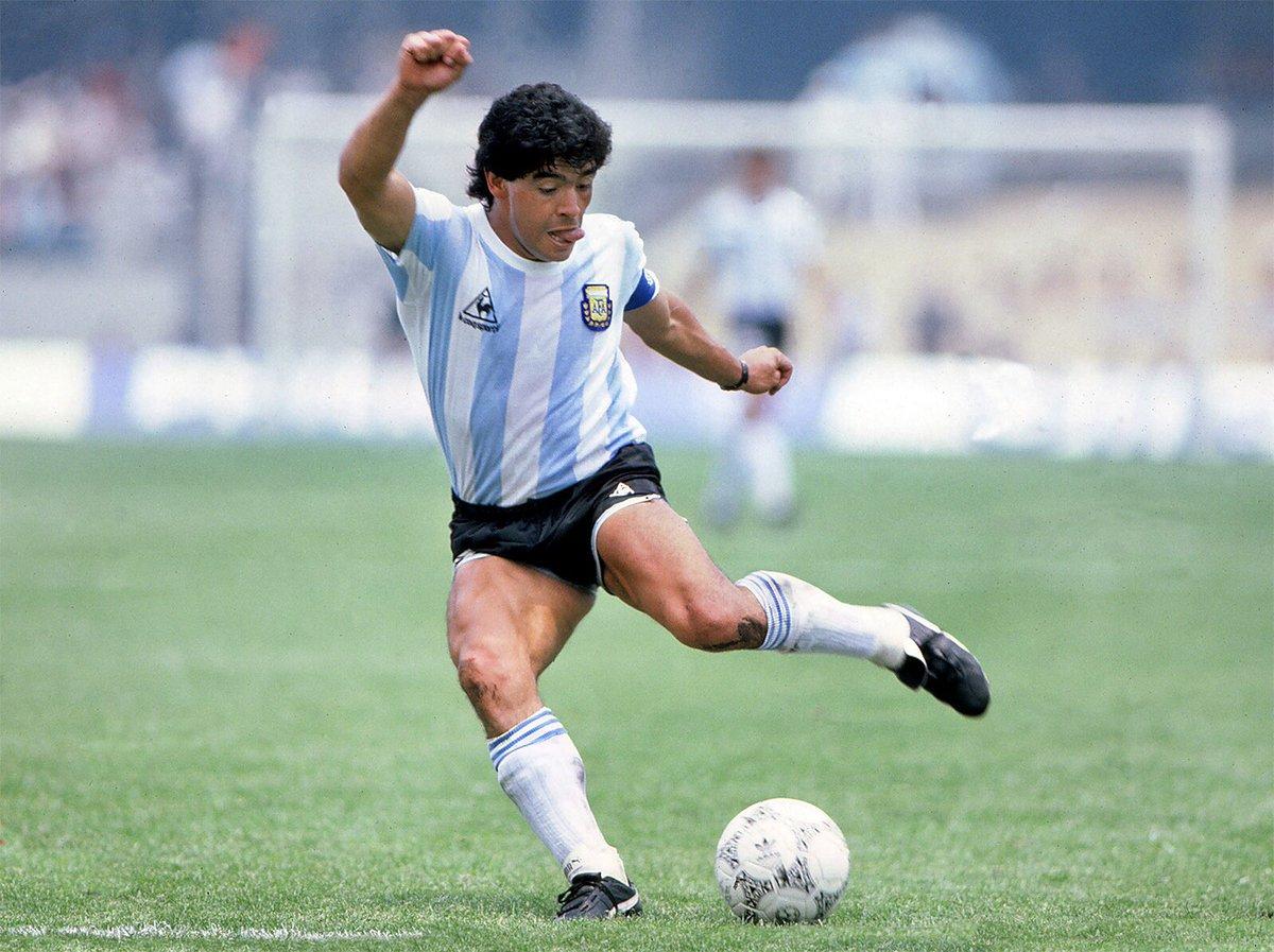 """Legend ..Genius..""""Hand of God"""" no more ..RIP Maradona 🌹⚽️10 ❤️"""