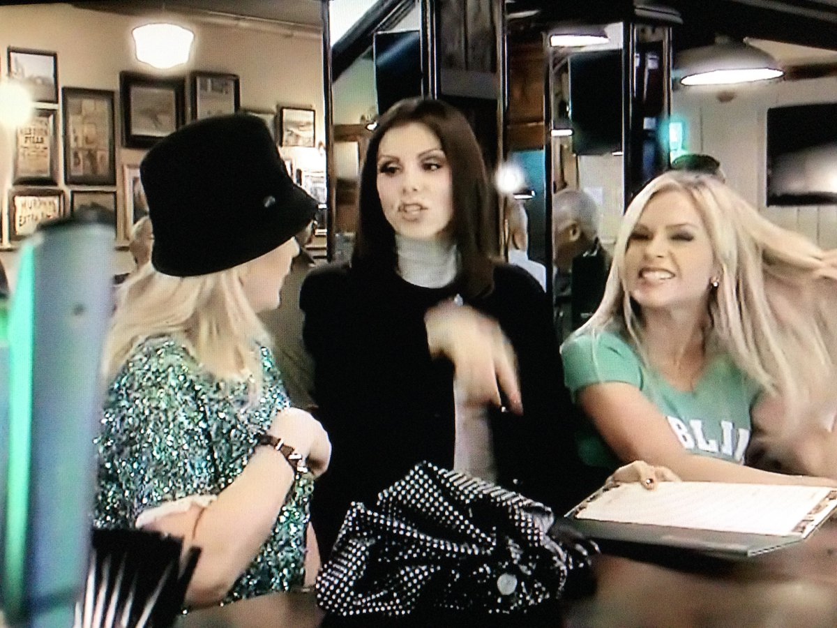 It's great seeing Heather again! I wish they would bring her back to the show! #RHOC #RealHousewivesofOrangeCounty @HeatherDubrow @BravoTV @Andy
