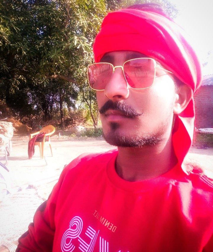 हे भारत के वीर सपूतों,, मैं आपको अवगत कराना चाहता हूँ कि आज ही के दिन सविंधान बनकर तैयार हुआ था... और आज ही के दिन मुम्बई पर आतंकवादी हमला हुआ था! और आज ही के दिन अम्बेडकर जी की जन्म भी हुआ था......   सोचा जानकारी के लिए बता दूँ #vipin_tiwari_                         #king_of_🤣