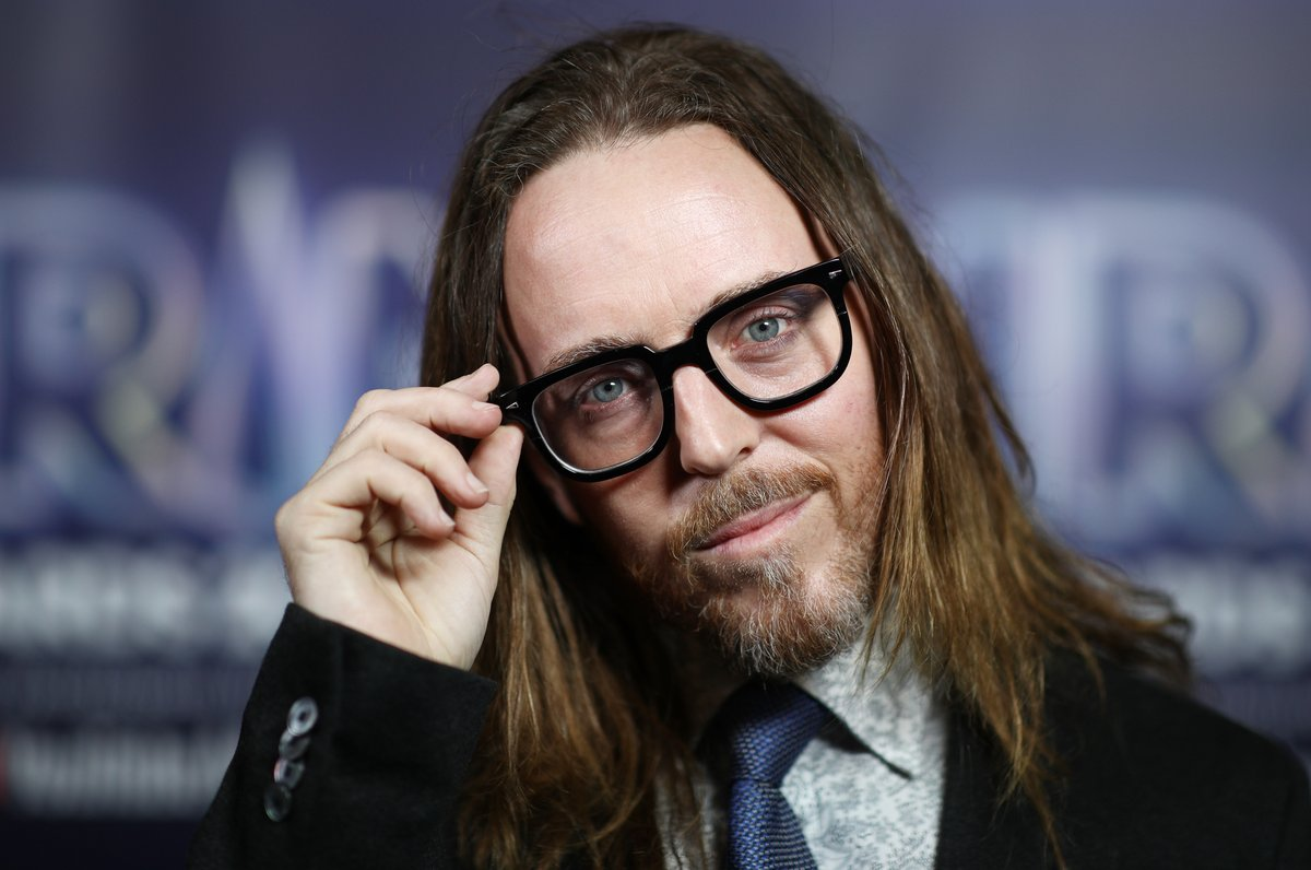 .@KayBurley will be talking to musician @timminchin about the release of his debut studio album, Apart Together 🎹  🕣 8.50 👉 #KayBurley 📺 Sky 501 / Freeview 233 📱 Watch live: