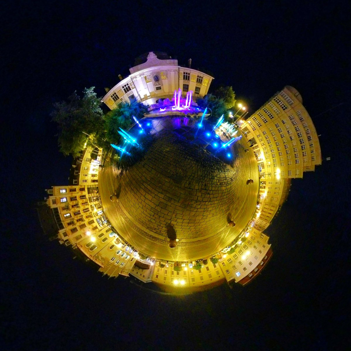 Night view at Plac Szczepafiski, Krakow   #photooftheday #photos  #krakowpoland #krakow #travelling  #travelphotography #travelgram #nightphotography #night  #beauty #poland #instacool #tinyplanet #liqhtinq #fountain #picoftheday #outdoor