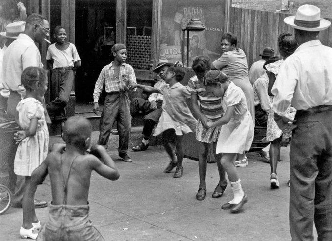Children dancing in Harlem, NY, c.1940 by photographer Helen Levitt #womensart