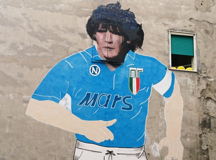.... The end of the LEGEND Goodbye Maradonna 💔  Pic in #Naples, #Italy @sscnapoli @afa @SerieA #picassaus #mural #art #streetart  #photooftheday #ill #tbt #win #funny #goals #tbt #ThursdayThoughts #thursdaymorning #thursdayvibes #legend #arte #Maradona #maradona10 #CiaoDiego