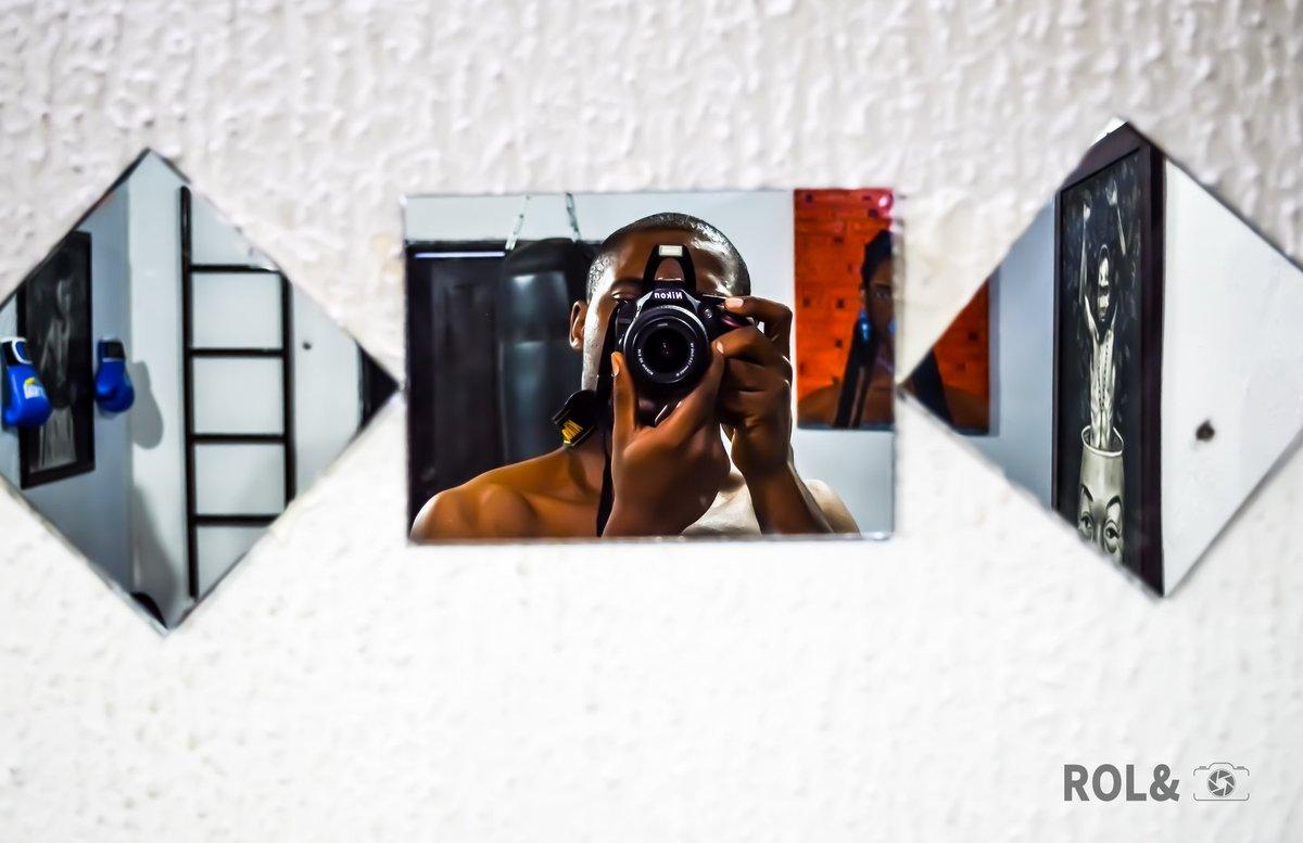 Bullseye! 🎯   #photography #rolandcaptures #bullseye #camera #cameraman #pictureoftheday #photographer #photooftheday #mirror #mirrors #Nikon @nikonusa @nikonphotocontest @NikonEurope @NikonUSA