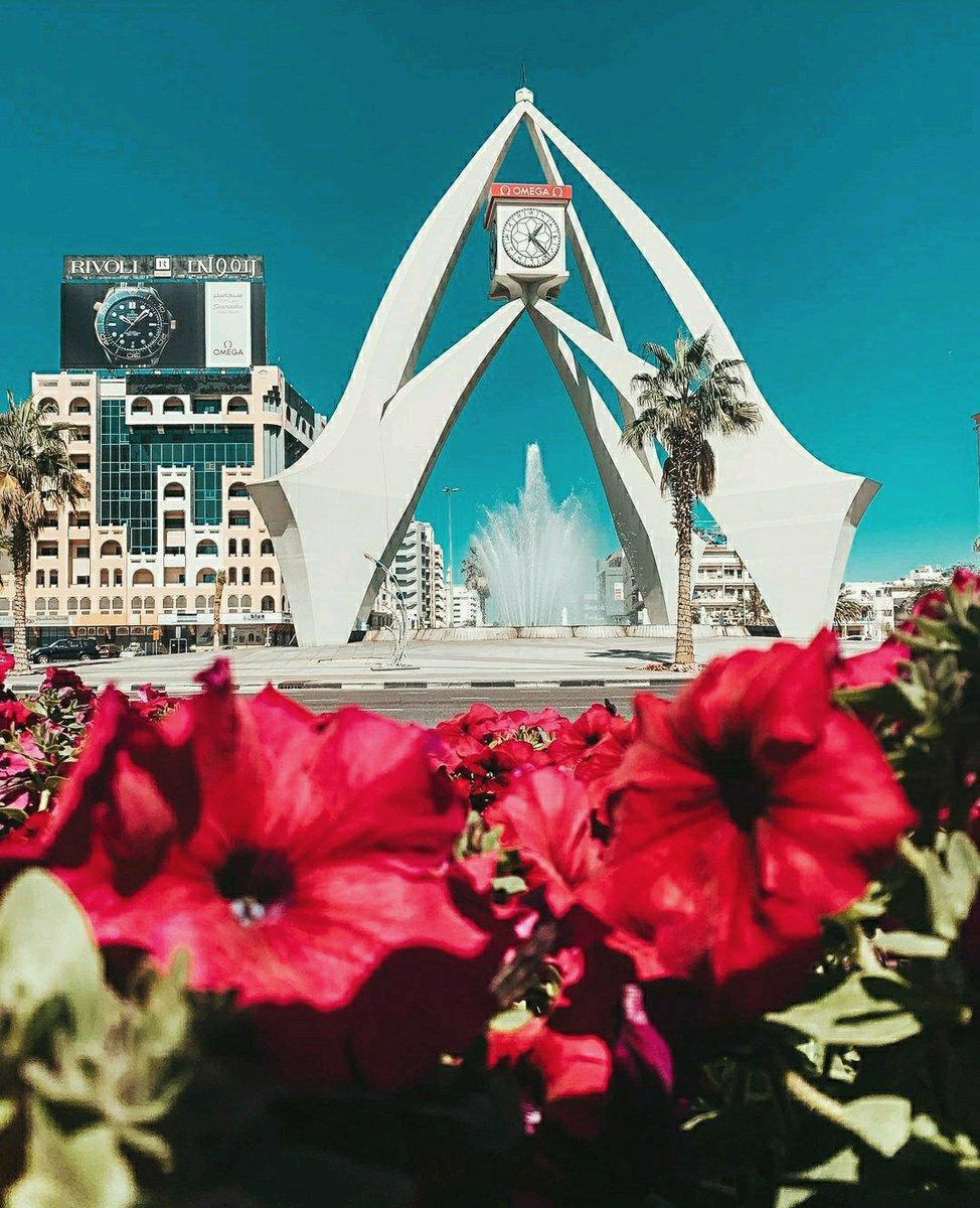 An iconic symbol  .  .  .  📸: @nowfalnawas   #PhotoOfTheDay #Travel #TravelPhotography #Dubai #UAE