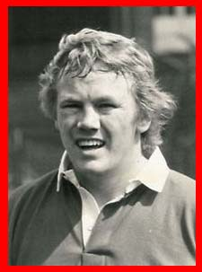#rugby history Born today 26/11 in 1948 : Peter Wheeler (England) rugby v Ireland in 1976, 1977, 1978, 1979, 1980, 1981, 1982, 1983, 1984 https://t.co/ym7nWZI8aa https://t.co/afj5qpn7qX
