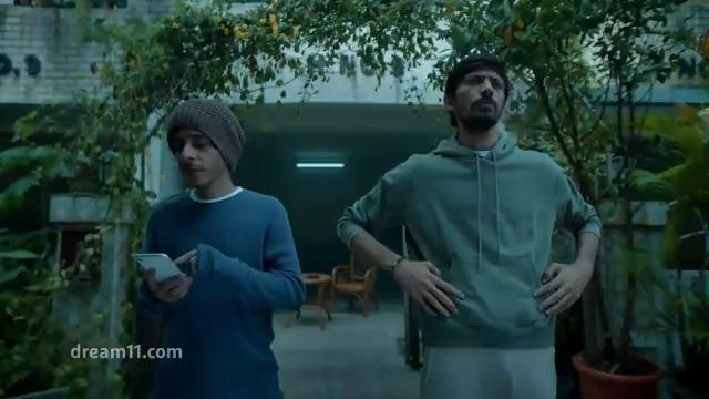 Bhai bhai ke beech mein, ek shaana aur doosra dedh shaana... #YeMainKarLetaHoon @Dream11