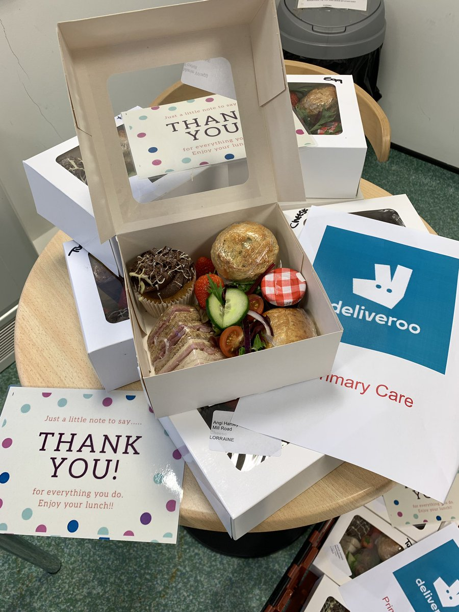 Thanks to Rhubarb shed cafe our lunch boxes are now ready for Primarycare deliveroo to get them out to all our Sheffield Practice Managers for our online event this afternoon. Hope you all enjoy! #timetoconnect #primarycarecommunity @NHSSheffieldCCG