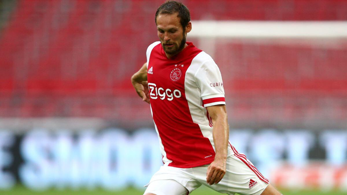 """""""He [Daley Blind] suffered from cramps, so we subbed him preventively just like we did with Klaassen [against Heracles]. Thats the most sensible thing to do when you're a few goals ahead.""""  [Erik ten Hag - @ZiggoSport]  #Ajax #blind #Klaassen #AJAMID https://t.co/6bEZwhbwuB"""