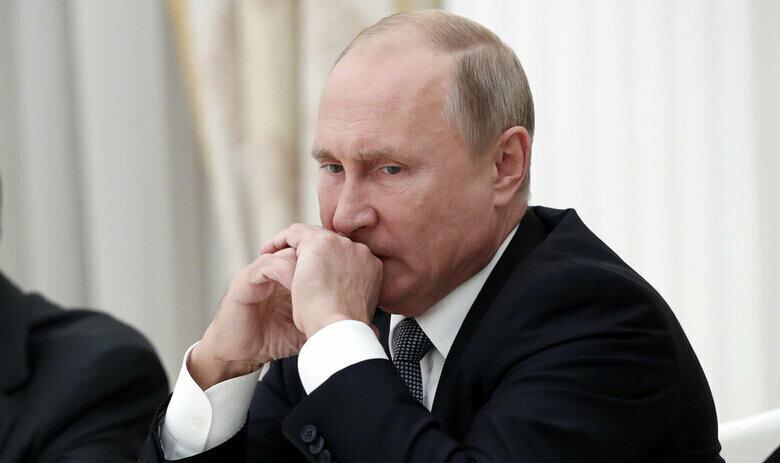 «Генерал СВР» назвал приблизительные сроки смерти Путина  Состояния Владимира Путина уже сейчас не всегда удается стабилизировать для показа публике #Путин #здоровье #болезнь https://t.co/BUg3EBEHtU