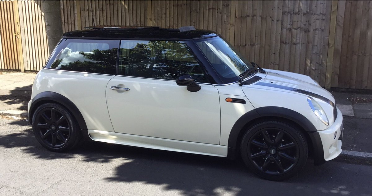 We know its Black Friday tomorrow, but we are having a White Thursday. Both sold this morning before 10.00am. We Never Stop.  #ClickandCollect #Mini #ForSale #Love #Cars #BlackFriday #White #MiniDealer #Amazing #Number1