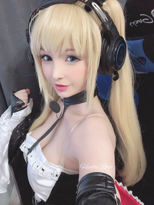3 pic. Streaming the new Azur Lane  x DoA event as Marie Rose today !   https://t.co/O0zEJlqEPK https://t