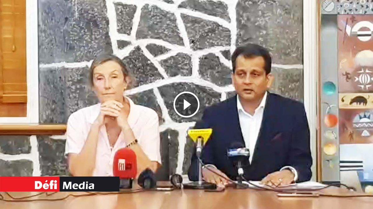 Covid-19/frontières : suivez en direct la conférence de presse du Dr Joomaye et du Dr Gaud https://t.co/217CJ50MAy https://t.co/NFlXwKb7vV