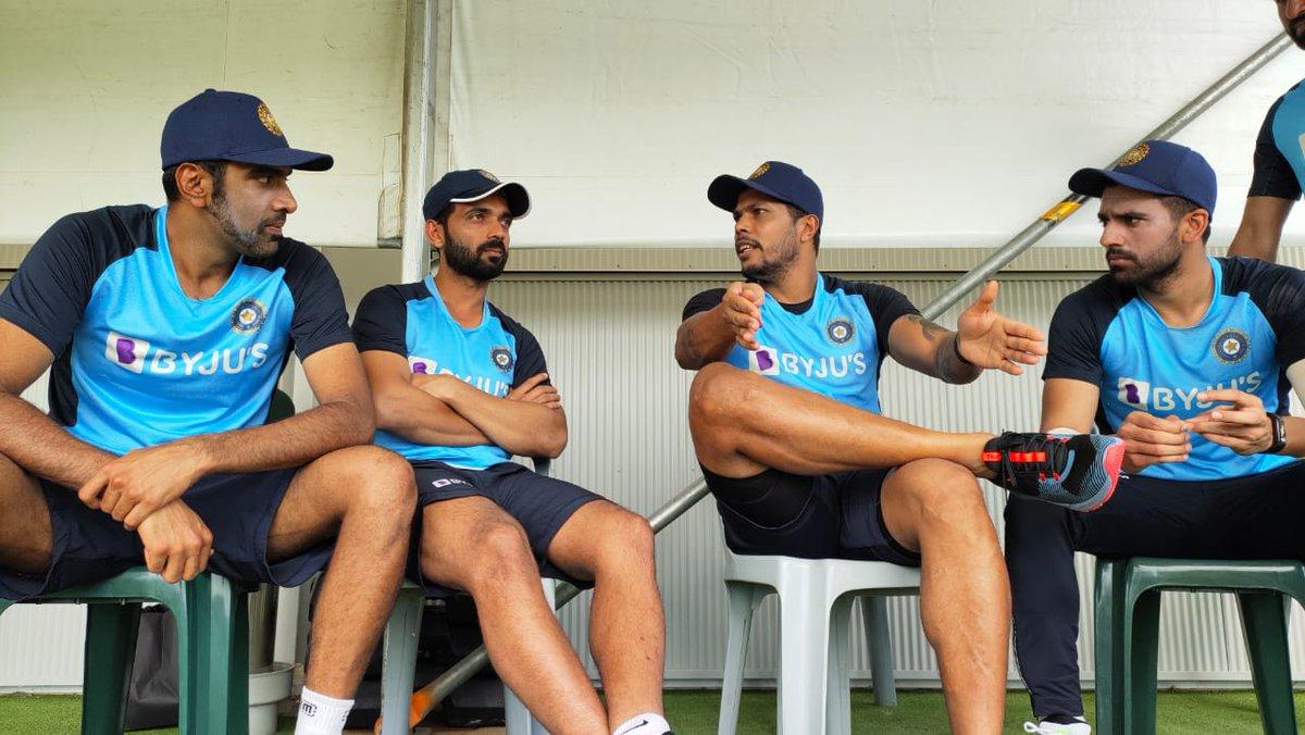 Talking cricket 🏏🗣️  @ashwinravi99 @ajinkyarahane88 @deepak_chahar9 #TeamIndia