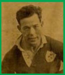 #rugby history Born today 26/11 in 1926 : Karl Mullen (Ireland) rugby v England in 1947, 1948, 1949, 1950, 1951 https://t.co/ym7nWZI8aa https://t.co/HpGktkBj0U