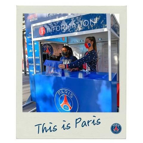 Ketika skuat wanita PSG menjadi SPG dan ikut berjualan di salah satu toko kami 😂🎁  #ThisIsParis 🔵🔴 #ICICESTPARIS