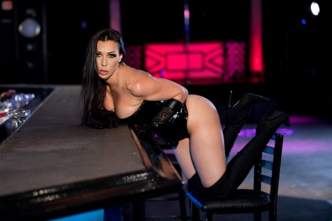 4 pic. Happy Birthday @RachelStarrxxx! 💗🎉🍑 When's the first time you saw her ASSets? https://t.co/i5