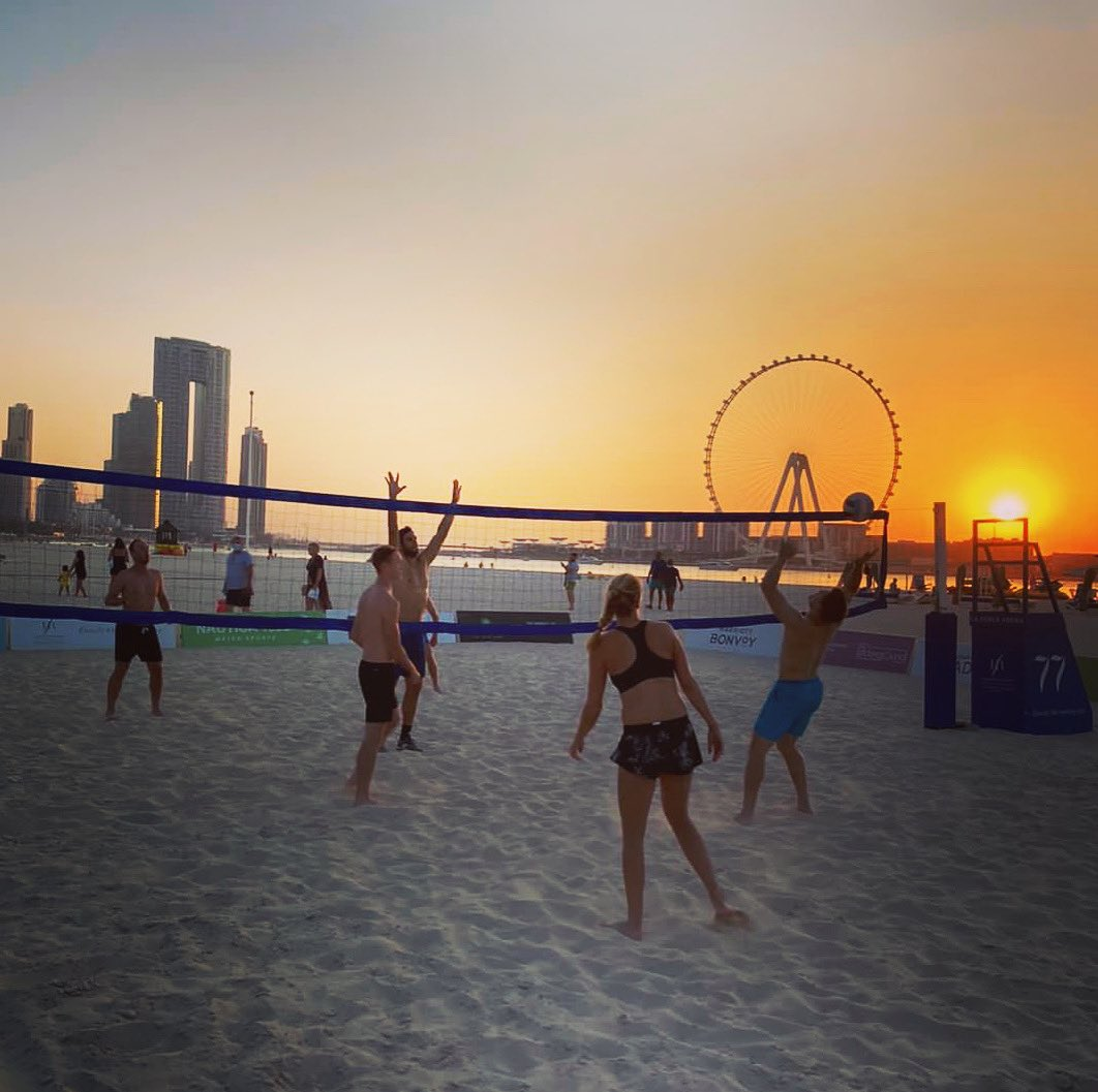 Beach volleyball at sunset.   The best way to end a day of training 🌇🏐 https://t.co/q5t5cXZm8r