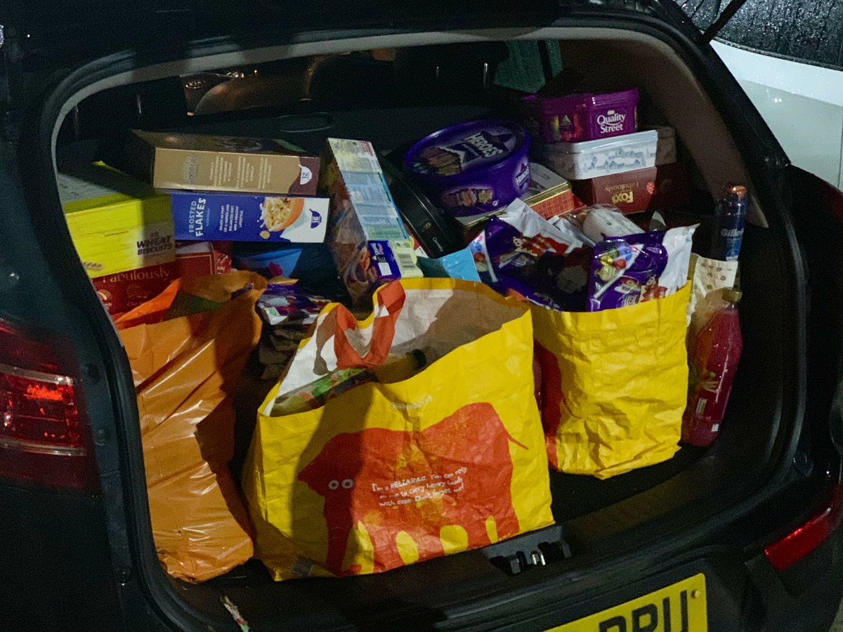 Had a lovely Donation towards #OperationFoodBank 🍱@Ldn_Ambulance from @Recolight @nigeldharvey Thank you so much 🙏🏼 My car is full of food, I Just need to arrange food into parcels & then drop off to the food banks #FoodBank #HungerFreeFuture #ThankYou #ENDCHILDFOODPOVERTY 🙏🏼