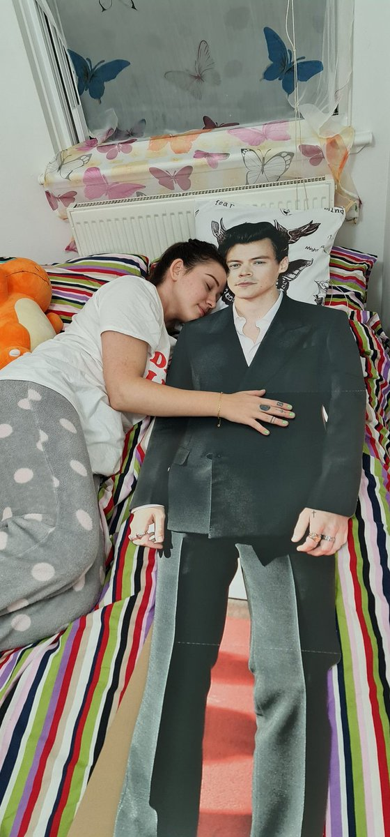 @ohcheristyles @Harry_Styles I also received one for my Birthday too. Haha . Have a lovely day .