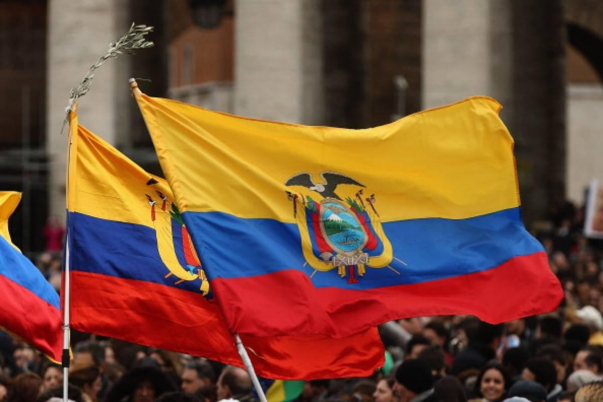 Conmemoramos el Día del Himno Nacional de Ecuador. Su creador el poeta Juan León Mera y el músico Antonio Neumane, han envuelto la identidad ecuatoriana en un símbolo patrio que llevamos en el corazón. #DíaDelHimnoNacional  foto: @MetroEcuador https://t.co/fV1OY1O7HF