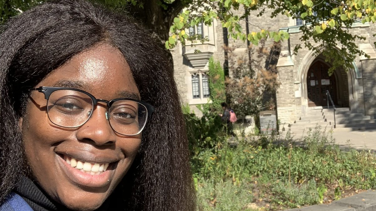 """""""For me, virtual learning really emphasized the need to curate a safe, healthy space to learn. It's not enough to just have a desk and a chair..."""" In her latest post, @lifeatuoft blogger Grace shares the PERKS of online learning:  #UofT"""