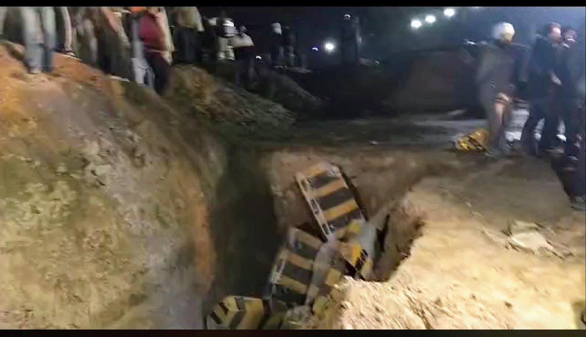 The govt has now dug up 25-30 feet trenches in the National Highway to stop farmers from Punjab from reaching Delhi.  #FarmerProtest #FarmersBill2020 #FarmersDilliChalo