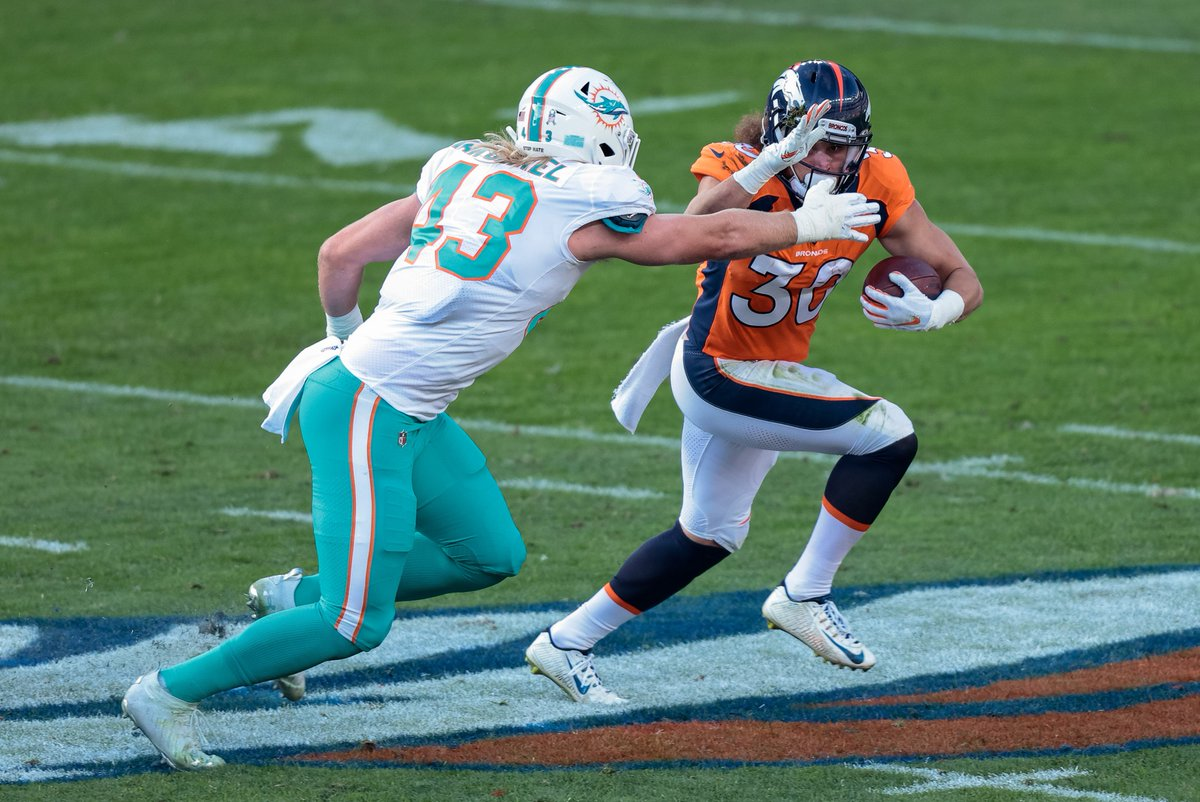 Fangio Puts Finger on Why #Broncos' Offense Looked so Different vs. Dolphins  https://t.co/GbwnxBnNvN https://t.co/64SA05RwRw