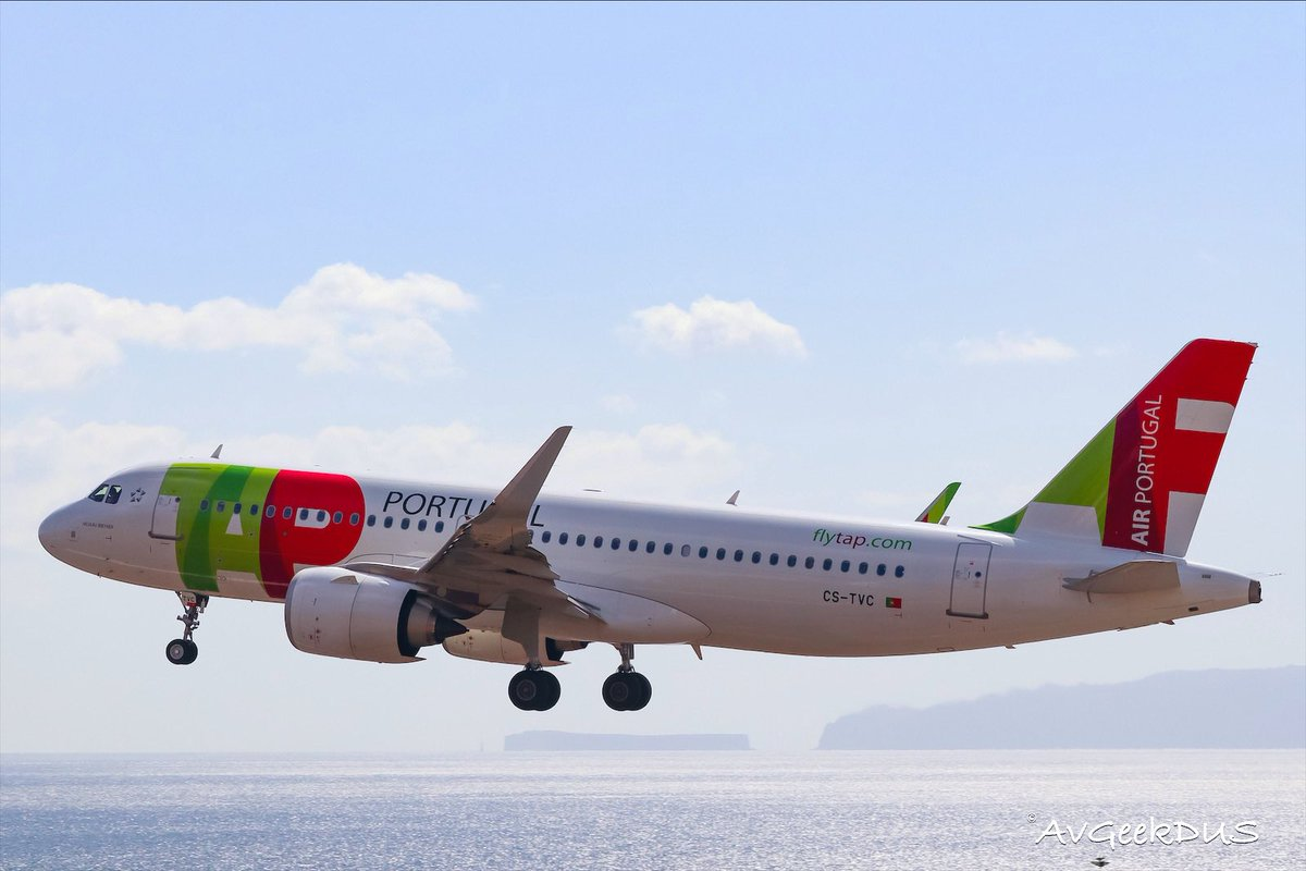 #TAPAirPortugal #A320 departing #Funchal #Madeira for #Lisbon ☀️🇵🇹 #planespotting #lovetofly #avgeek https://t.co/qJSnlSUO1o