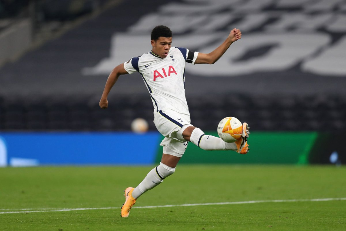 The youngest ever player to represent Tottenham Hotspur at senior level. Congratulations @DScarlett09 💙🙌 #COYS https://t.co/fb2V1ZVbvm