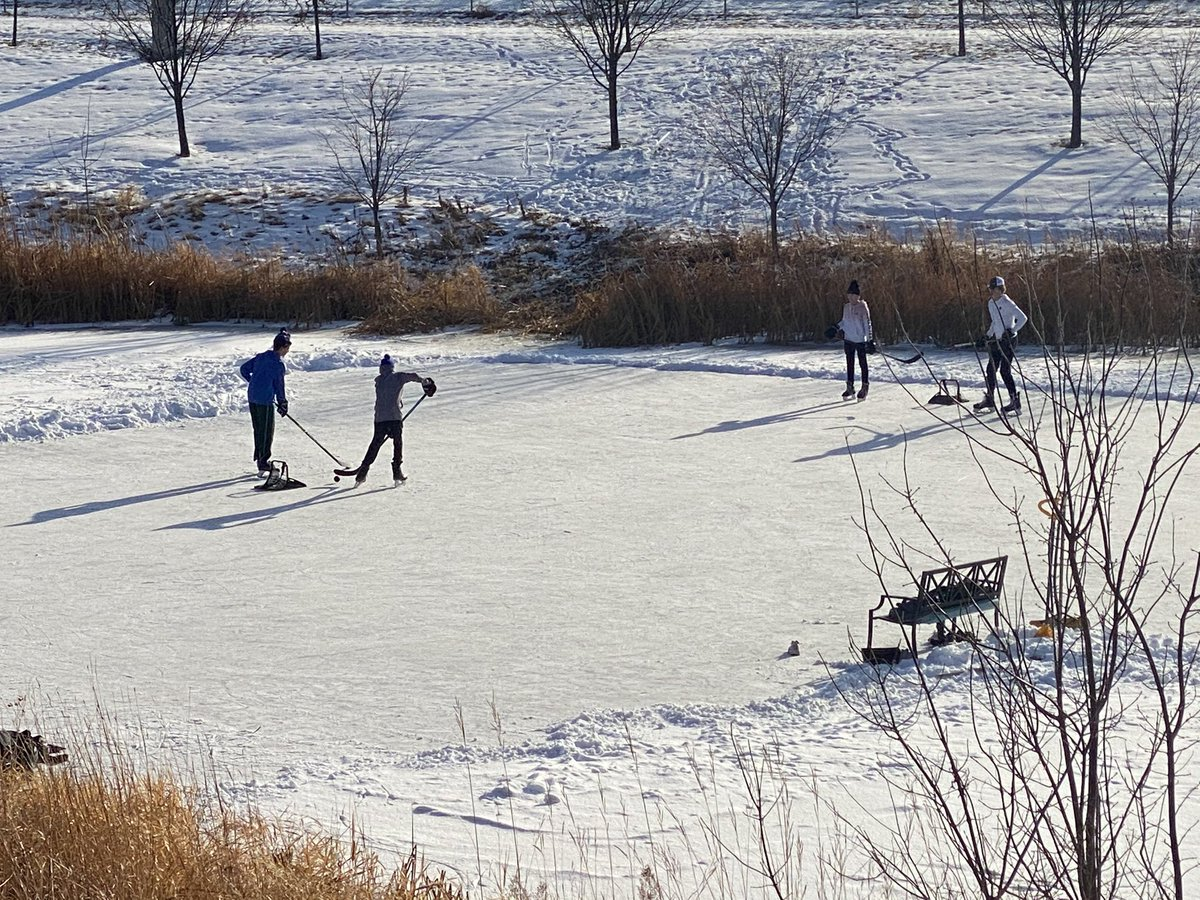 Love to see it group of future @ramhockey players enjoying a little pond hockey on Thanksgiving! @hockeylogic @FollowThePuck @UpNorth_Hockey   #StayActive #PondHockey https://t.co/sPHE8I73hg