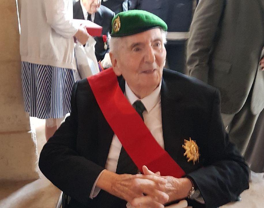 Dernier Compagnon de la Libération, Hubert GERMAIN vient d'être nommé chancelier d'honneur de l'Ordre de la Libération. La flamme se s'éteindra pas #EnLeurSouvenir @O2LaLiberation https://t.co/ORBIZxJZKQ