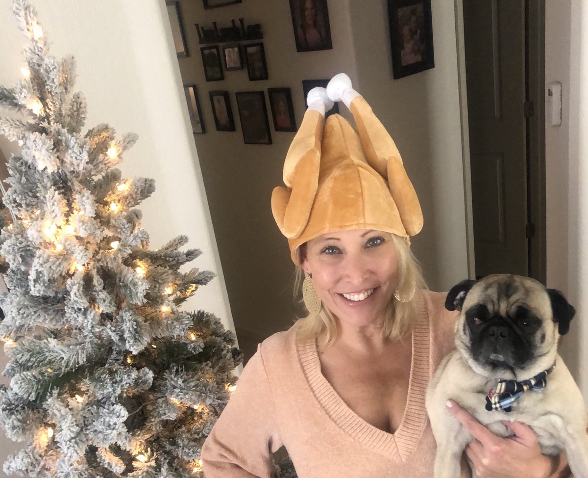 Happy Thanksgiving from my wacky house to yours! Wishing everyone a warm and wonderful holiday. #happythanksgivng #HappyThanksgiving2020 #Grateful