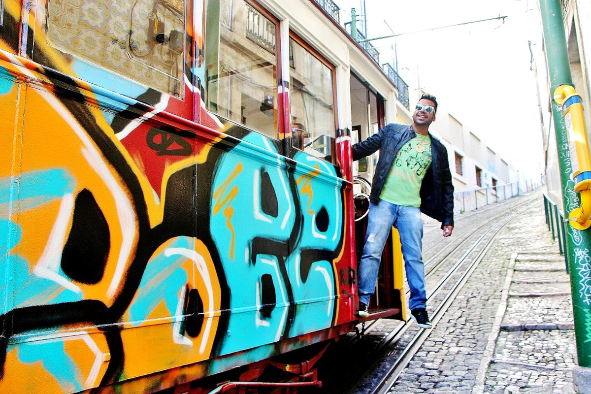 Riding the #Tram in #Lisbon #Portugal ! Weeeeee! #tbt #ThrowbackThursday #Travel #travelphotographer #travelvlogger #travelblogger #graffiti #graffitiart #mustvisit #FlashbackFriday #ThursdayMood #filmmaker #artist #art #throwback #goodtime #Toronto #picoftheday #vacation https://t.co/QblQP1BeBB