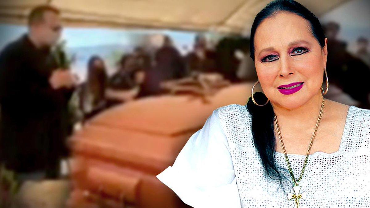 """""""Tenemos partido el corazón"""": Pepe, Ángela y la familia Aguilar le dan el último adiós a Flor Silvestre."""