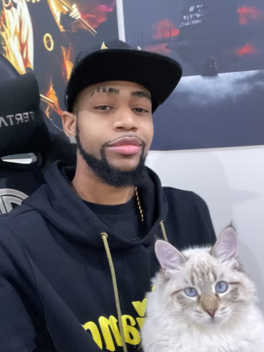 Replying to @TSM_Daequan: Feeling better than I have in years. Always thankful 🖤