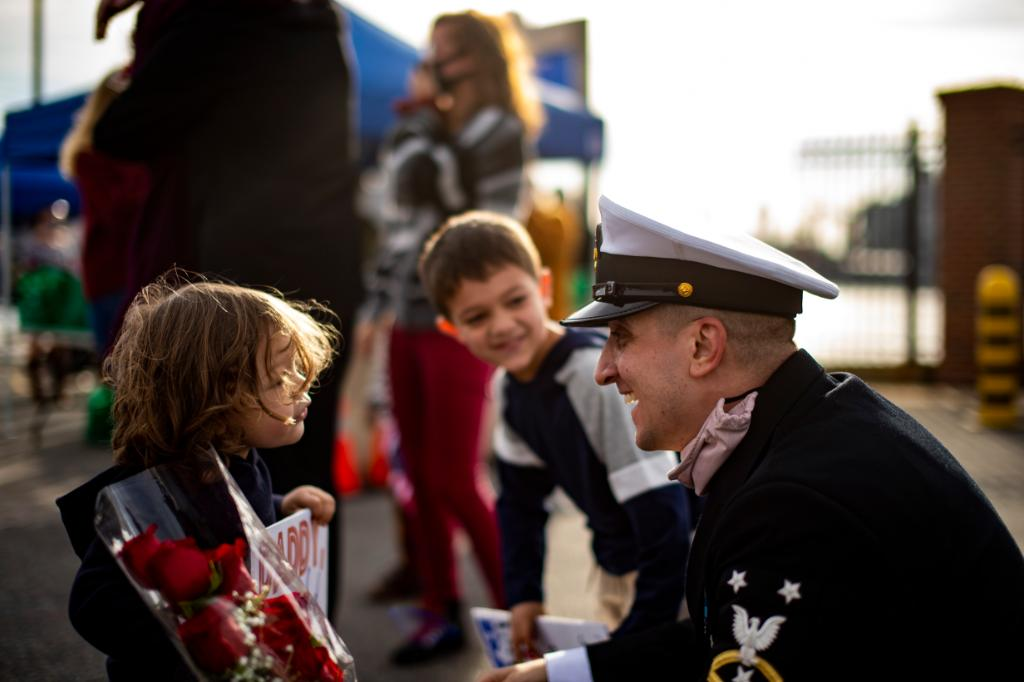 Just in time for #Thanksgiving 🦃 Welcome home shipmates! #USSJohnWarner (SSN 785) returned to Naval Station, Norfolk, Va., Nov. 25th, traveling approximately 36,000 nautical miles during a six-month deployment. DETAILS: ➡️ go.usa.gov/x7ACe