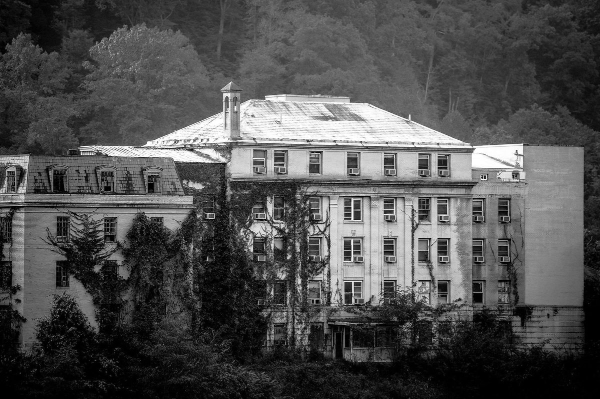 OHOCH, opened its doors for the first time in 1928...it definitely has seen its fair share of deaths and blood shed..Now under new ownership, the hospital will once again open its doors to the public in 2021..will you be brave enough to enter? #haunted #hospital #paranormal #WV