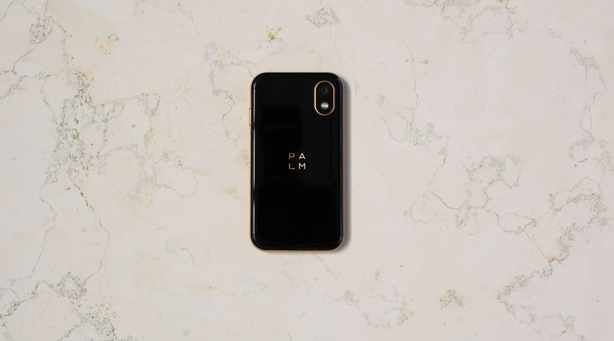 For #minimalists looking for something different and innovative. Sleek frame, small size, and an array of use cases pairing with any lifestyle. #PalmPhone #LifeMode