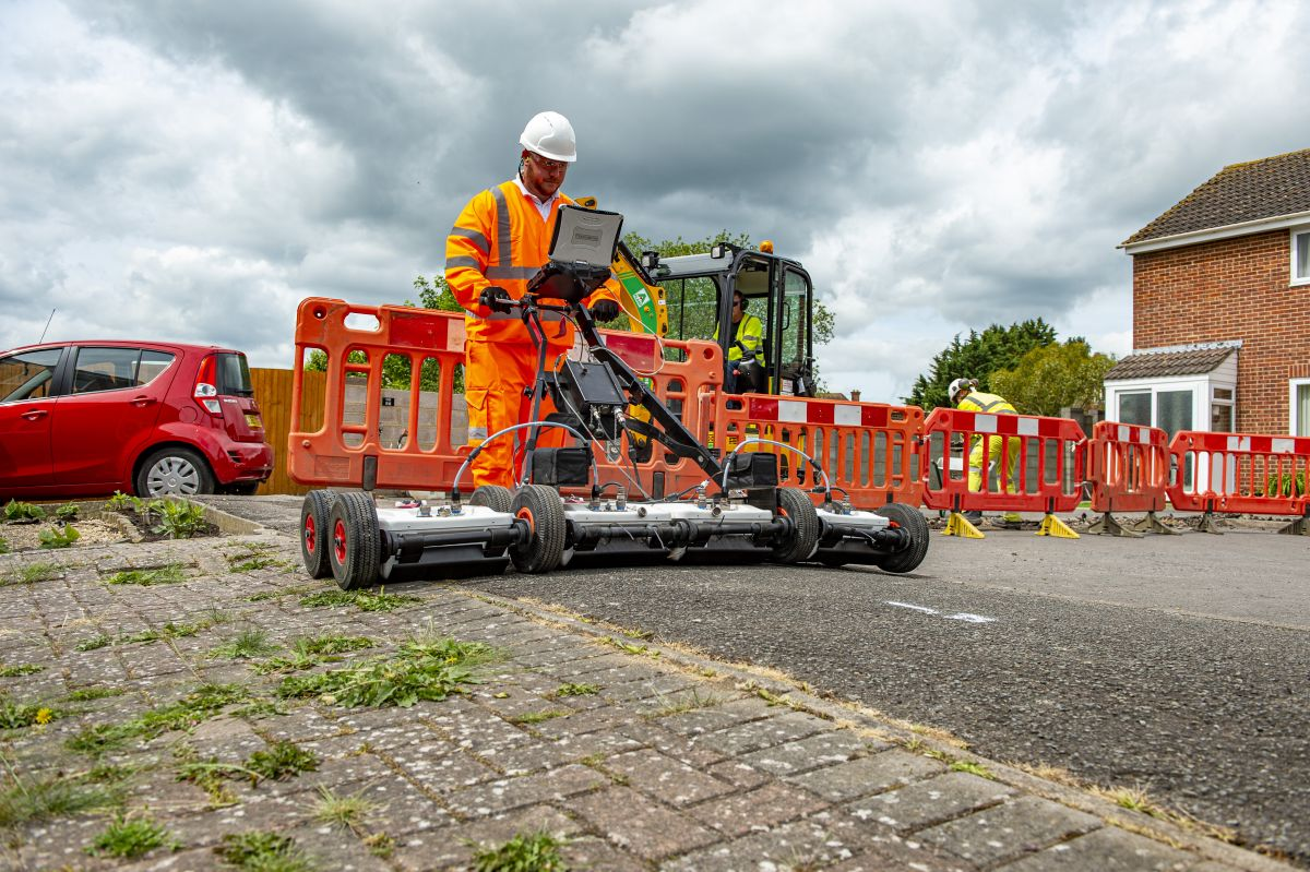 test Twitter Media - RT @fairmilewest: Government abandons target of UK nationwide fibre coverage by 2025 https://t.co/aH37WwOEDf https://t.co/ALnIGMbJ8g