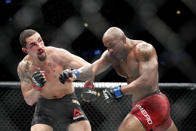 How did you personally score Romero's last 3 bouts? For me:  - Whittaker 2: 47-47 - Costa: 29-28 Romero (I'm in the minority here)  - Adesanya: 48-47 Romero  All absurdly close though, I wouldn't call them bad decisions. https://t.co/jvbeT9MoYs