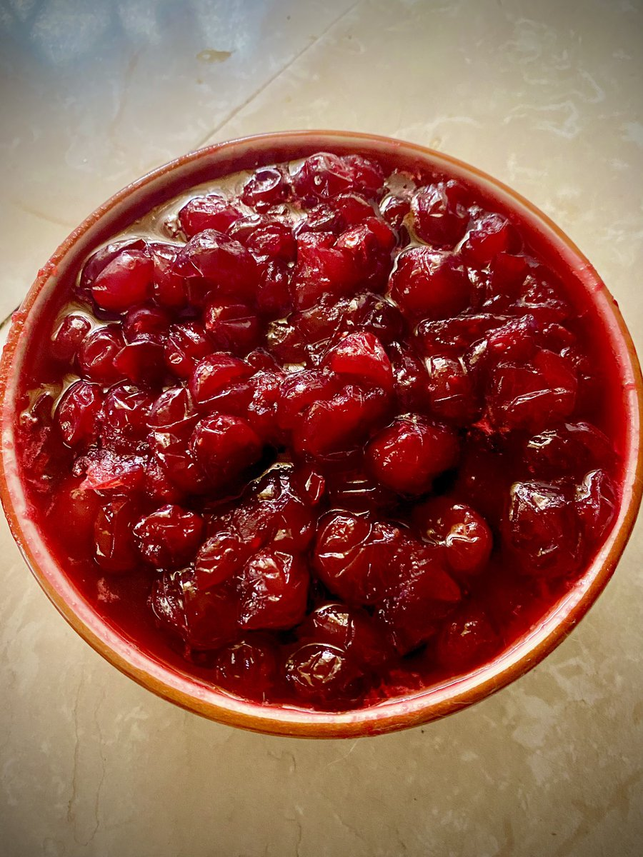 A lot of folx grew up on canned cranberry sauce. I'm one of them. But if this was a #Verzuz  battle canned anything takes the L.   This is something we can agree to disagree on. Covid-19, racism, and climate change are not 😂
