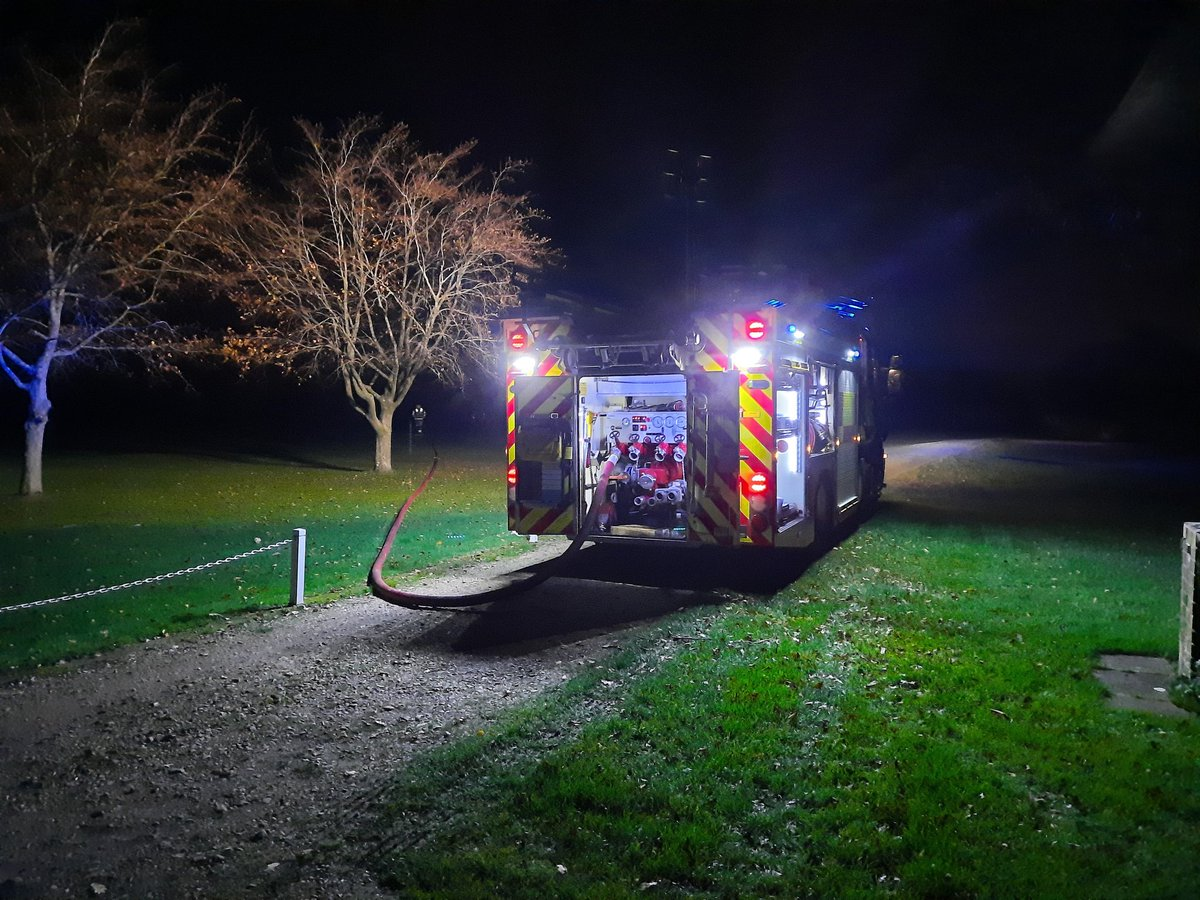 22:23 H73P1 mobilised to Fire in the Open, Osborne Estate, #eastcowes. 240meters of hose run out to reach the fire in a woodland area. 2700 liters of water used to out, damp down and turn over the fire. H73P1 returned to station 01:05 for cleaning.  #ONCALL #firefighter